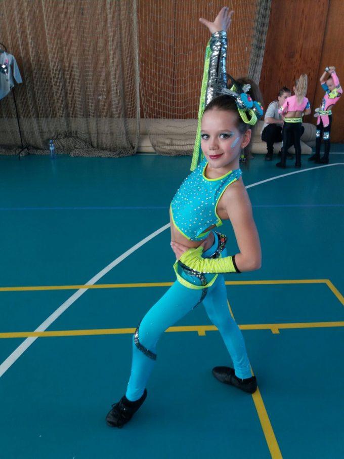 KOSTÝM DISCO DANCE